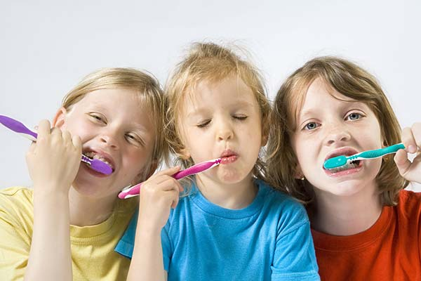 Childrens tooth care - brushing teeth